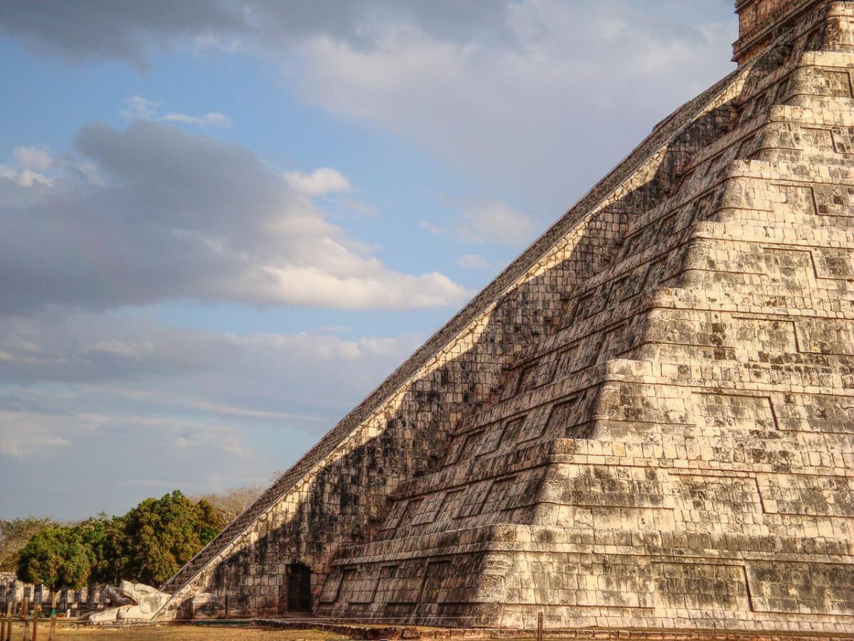 Kukulkán Pyramid Equinox