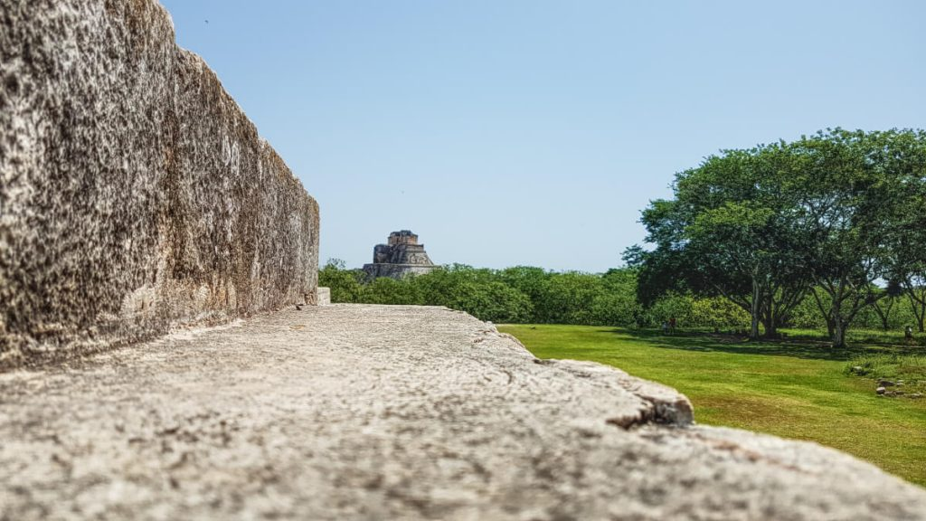Quick introduction to Uxmal