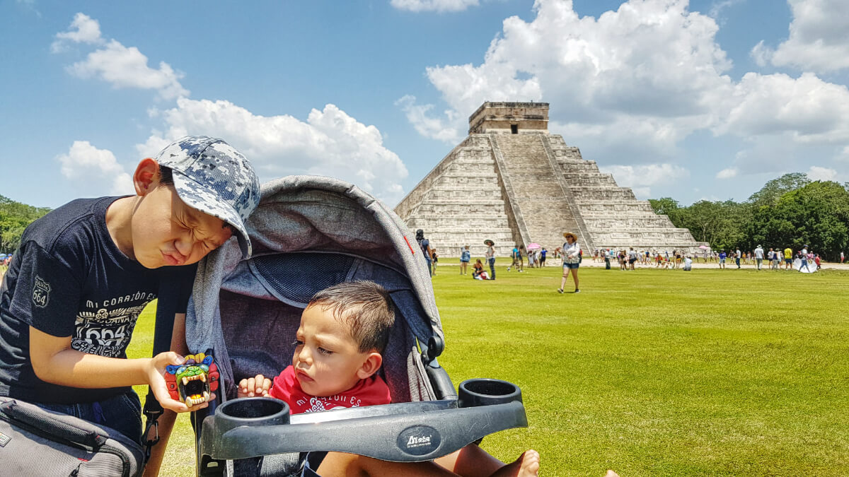Use of stroller in Chichen Itza with Children