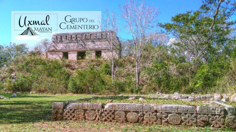 Grupo del Cementerio en Uxmal