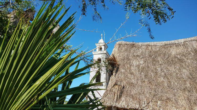 Vista de la capilla de la virgen en Xcambo
