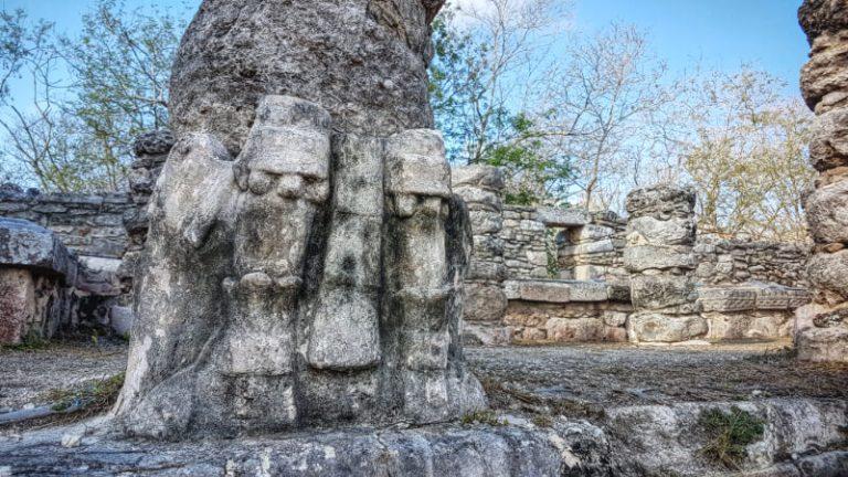 Columnas en la Sala de los Reyes