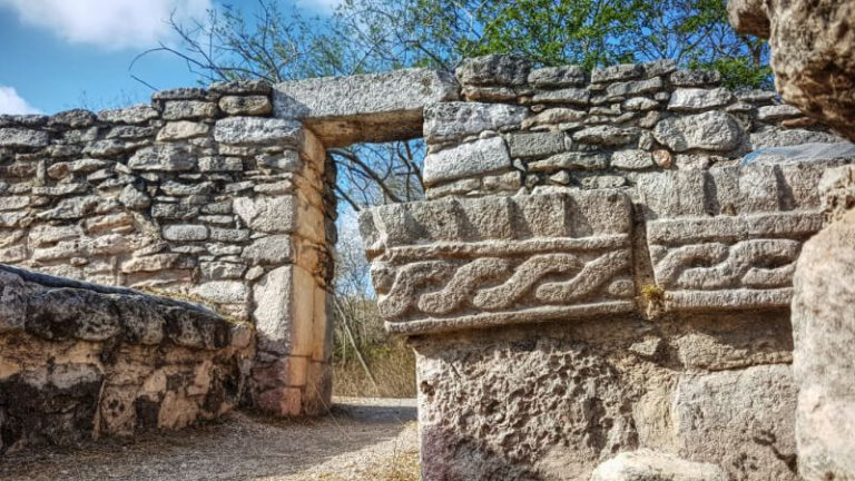 Grecas en la Sala de los Reyes