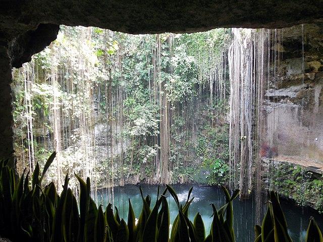 Cenote_Ik-Kil